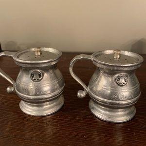 VTG pewter salt & pepper shakers/Wilton Armetale